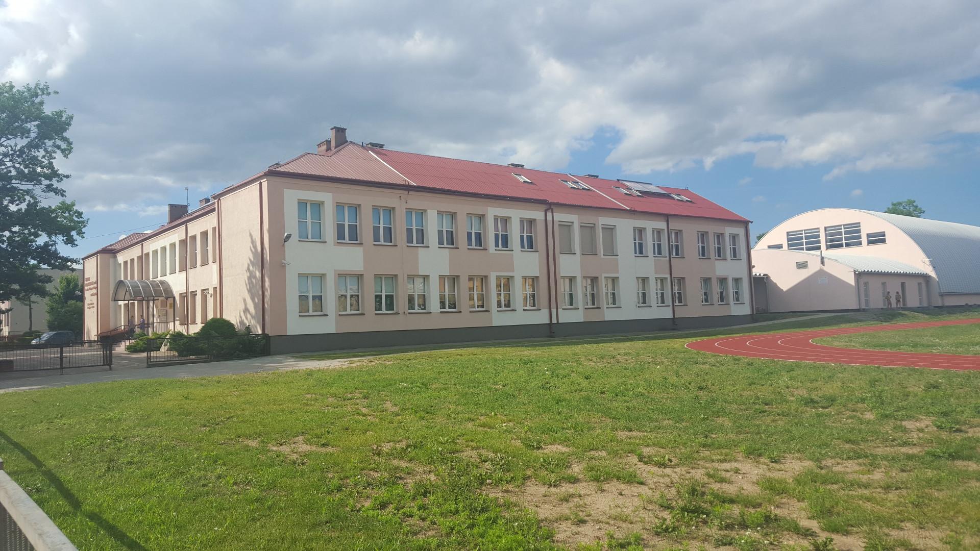 Remont oraz termomodernizacja budynku Szkoły Podstawowej nr 2 im. Jana Kochanowskiego w Mońkach - 1